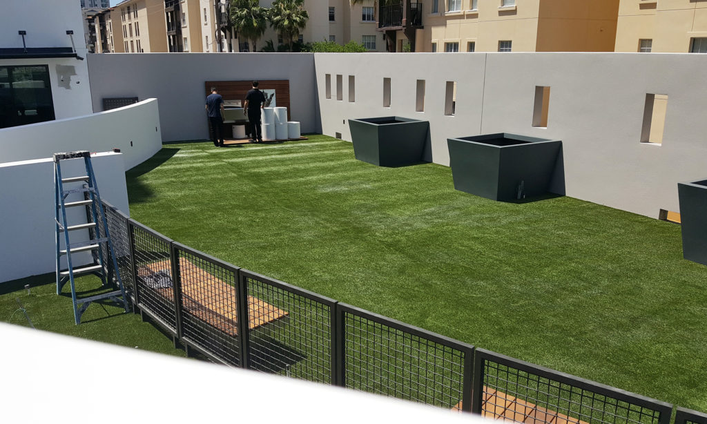 Palm-Beach-Turf-turf-fake-grass-installation-commercial_4