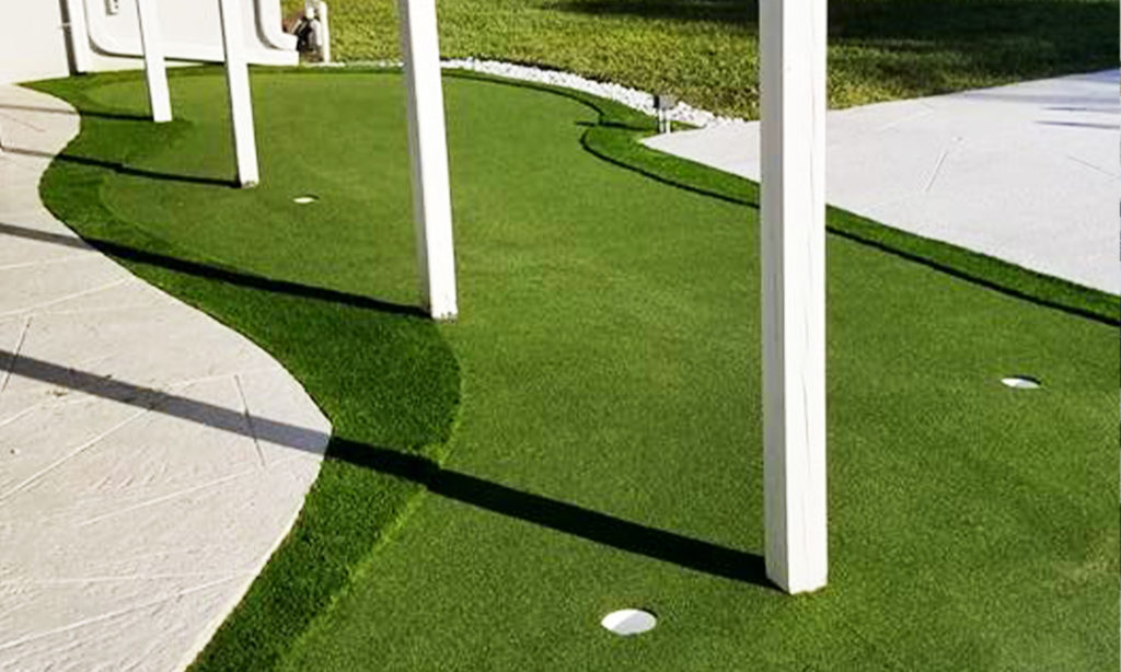 Palm-Beach-Turf-turf-fake-grass-installation-putting-green