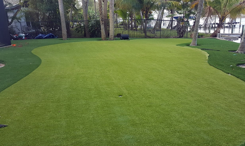 Palm-Beach-Turf-turf-synthetic-grass-installation-palm beach-broward-martin-Putting-green_1
