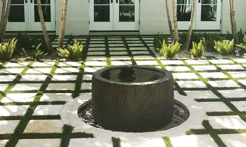 Palm-Beach-Turf-turf-synthetic-grass-installation-patios_1